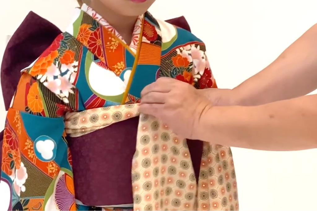 七五三 七歳女の子の着付け 帯揚げをひと結び