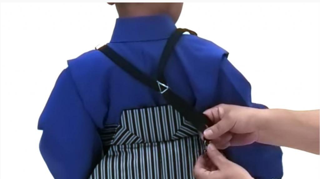 七五三 五歳男の子の着付け サスペンダー