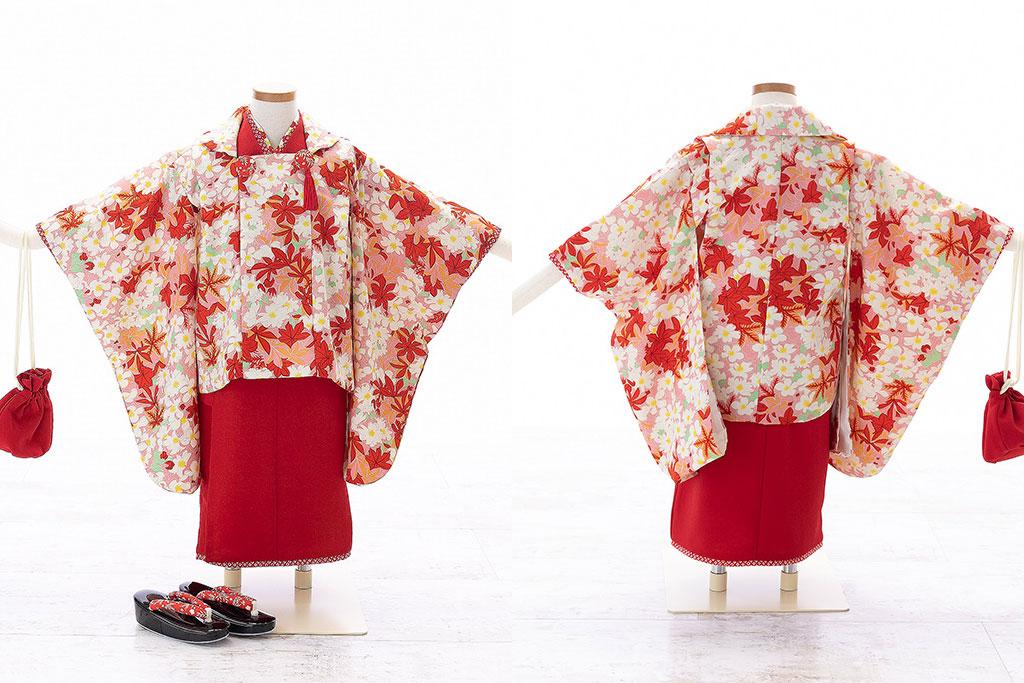赤の着物にピンクの被布の七五三三歳着物