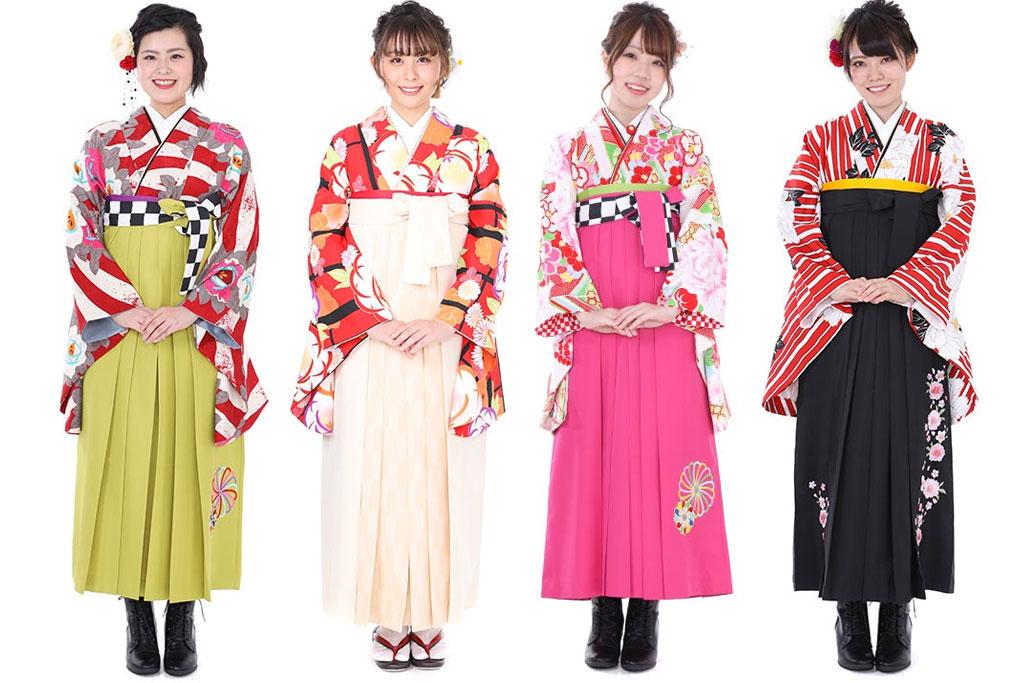 色とりどりの袴を着た女性